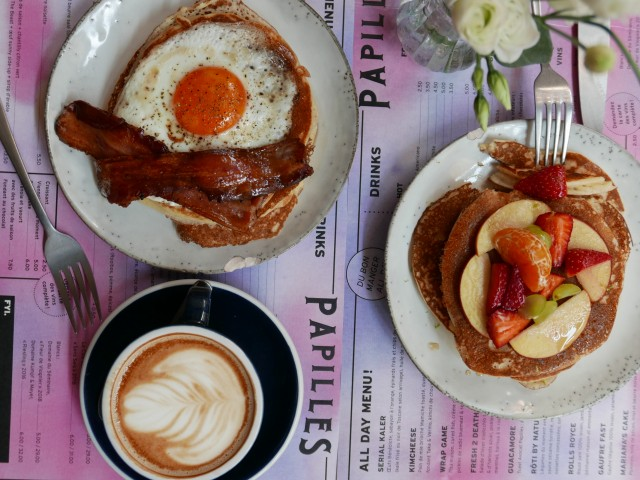 PAPILLES COFFEEHOUSE & RESTAURANT